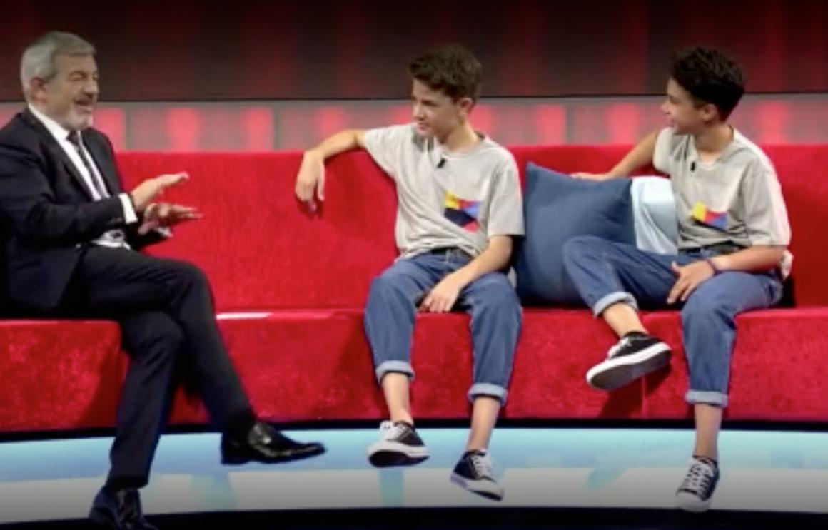 Héctor y Víctor dos alumnos de la escuela en Little Big Show
